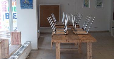 Ausstattung Stühle, Tische